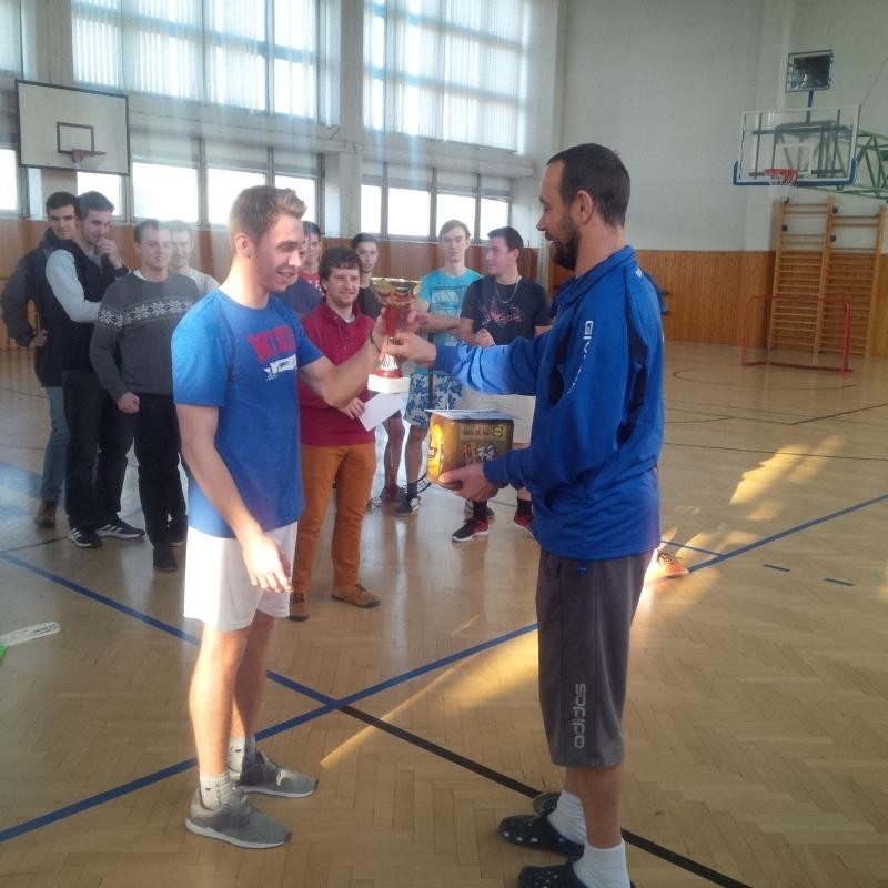 Vianočné turnaje pre študentov vo florbale 2018