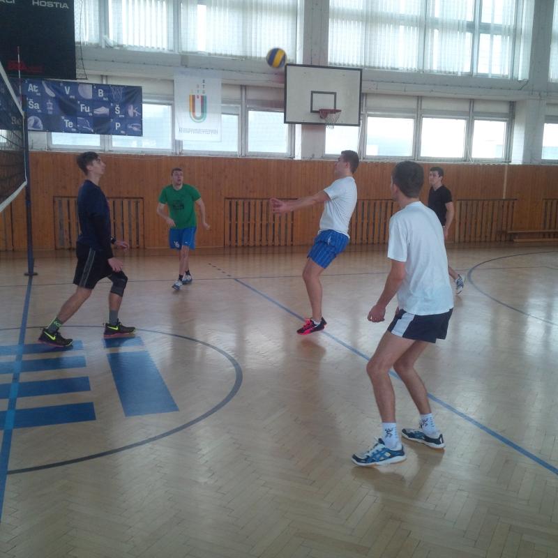 Priateľský zápas študenti vs. zamestnaci - VOLEJBAL